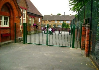 bow-top-fencing-raphels-school-hornchurch-essex-1