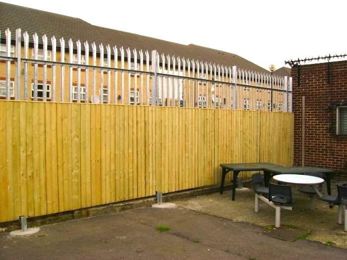 Steel Palisade Fencing – Eastlea School London