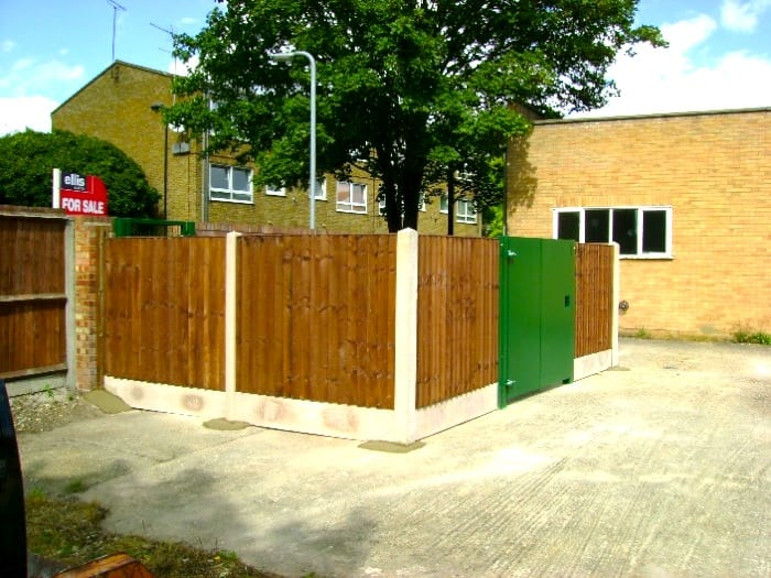 Timber Closeboard Fencing – St Georges School Enfield