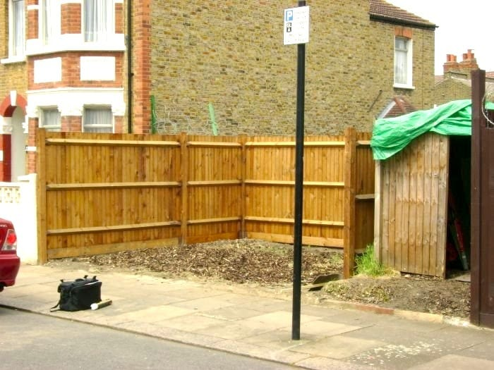 Timber Closeboard Fencing – Place Homes