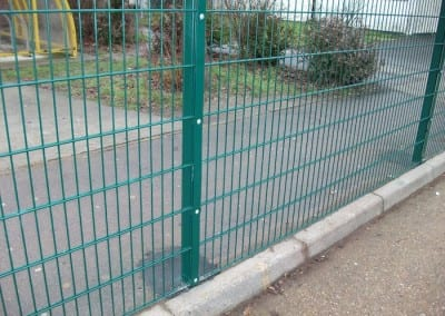 twin-mesh-fencing-with-automated-gates-sanders-draper-school-hornchurch-rm126rt-06