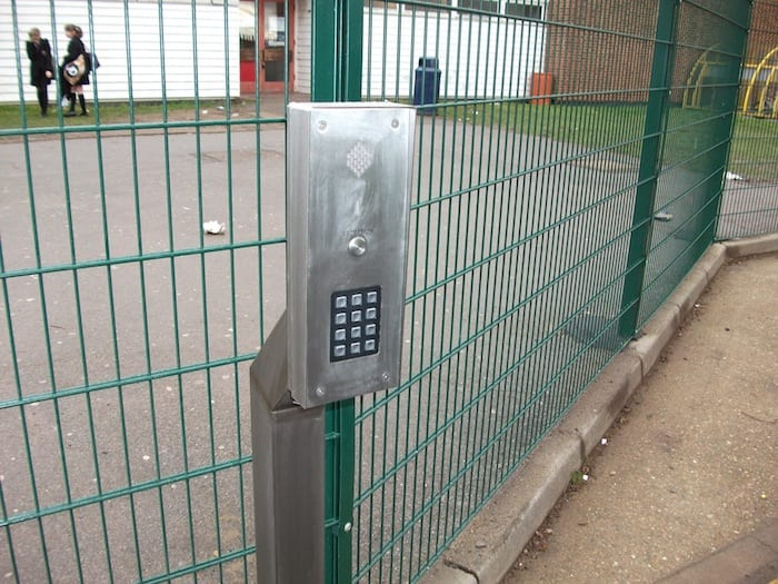 Wire Mesh Fencing – Sanders Draper School – Hornchurch Essex