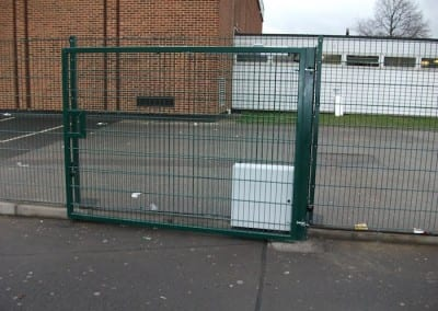 twin-mesh-fencing-with-automated-gates-sanders-draper-school-hornchurch-rm126rt-16