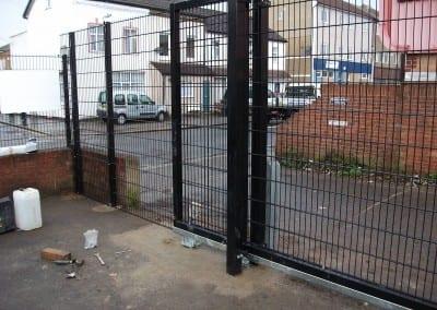twin-wire-mesh-fencing-st-john-ambulance-london-02