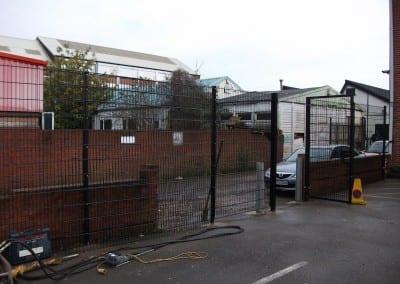 twin-wire-mesh-fencing-st-john-ambulance-london-03
