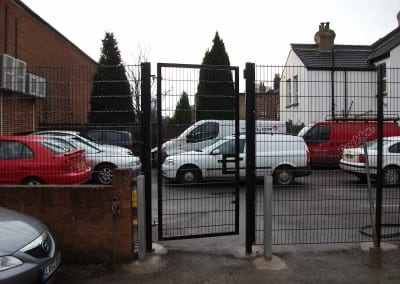 twin-wire-mesh-fencing-st-john-ambulance-london-07
