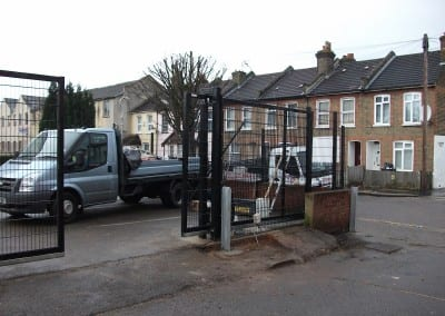 twin-wire-mesh-fencing-st-john-ambulance-london-09