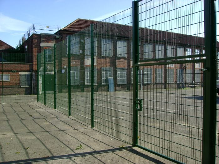 Wire Mesh Sports Fencing – Stratford School – London