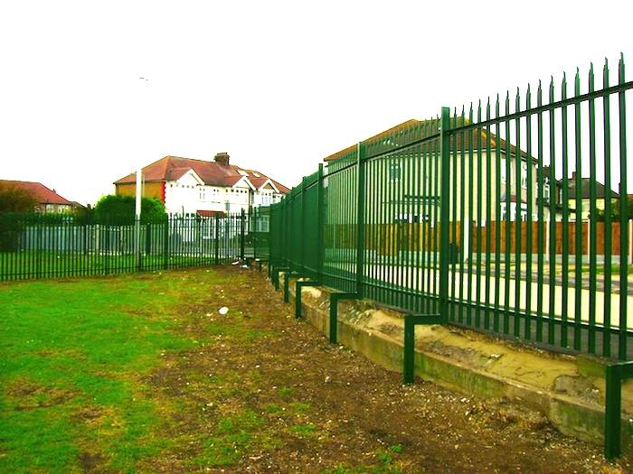 Steel Palisade Fencing London – King Solomon High School Barkingside London