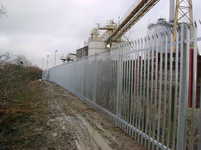 Steel Palisade Fencing Essex – O-I Manufacturing Ltd – Harlow Essex