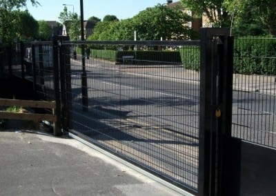 wire-mesh-fencing-st-patricks-school-walthamstow-e-17-london-43