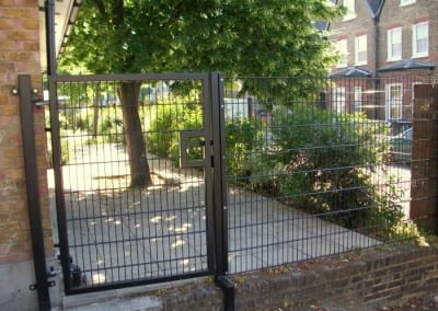 wire-mesh-fencing-st-patricks-school-walthamstow-e-17-london-48