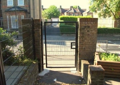 wire-mesh-fencing-st-patricks-school-walthamstow-e-17-london-49