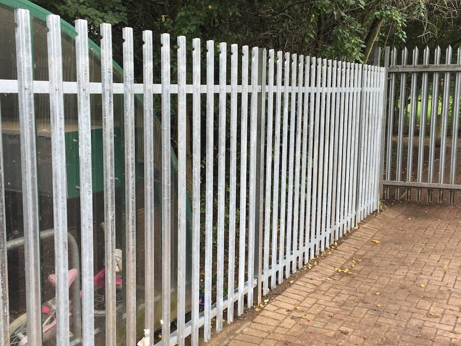 Steel Palisade Fencing – Bolt and Heeks School – Hatfield