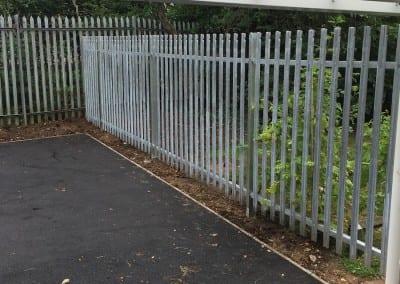 steel-palisade-fencing-bolt-and-heeks-hatfield-school-04