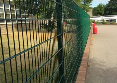 twin-wire-mesh-fencing-hurstmere-school-03