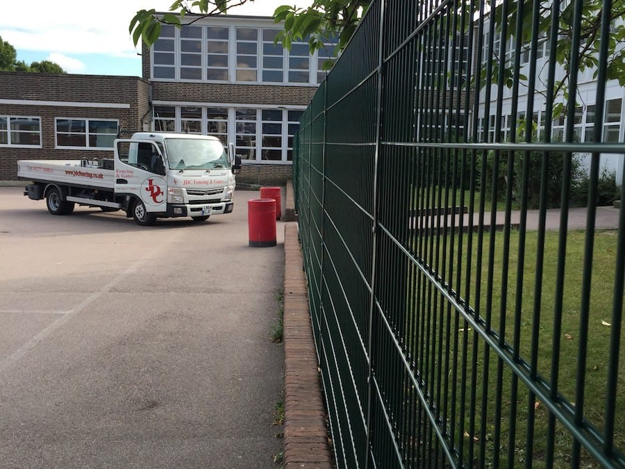 Wire Mesh Fencing – Hurstmere School